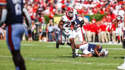 Georgia DB Tykee Smith reportedly tears ACL, out for season